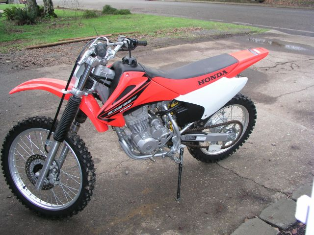Honda CRF230F 2005 Specs