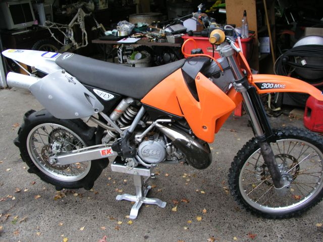 KTM 300 MXC 1999 Picture and Specs